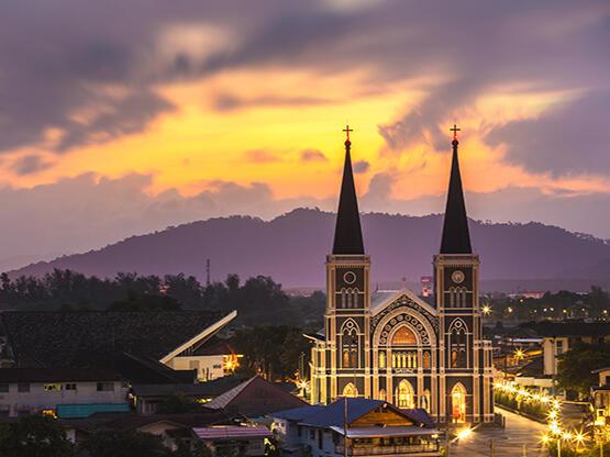 โบสถ์วัดแม่พระปฏิสนธินิรมล (Mae Phra Patisonti Niramon Church) - HOP INN HOTEL