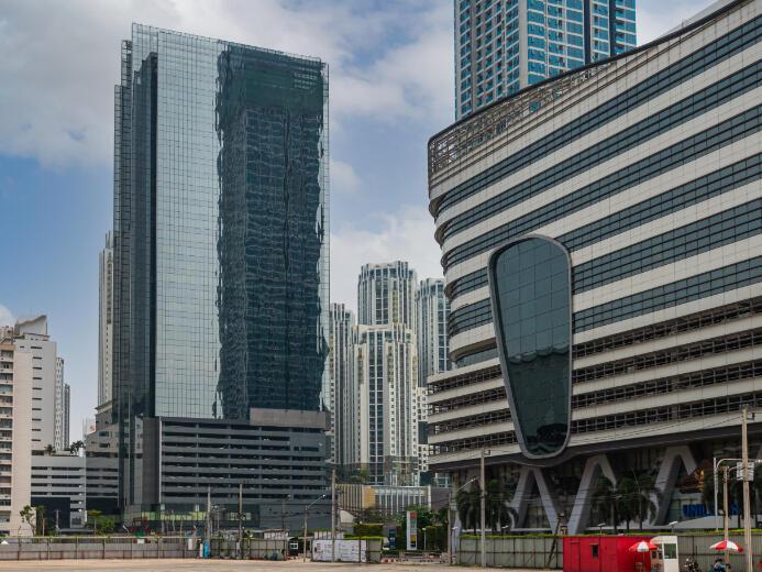 Exterior view of Ninth Towers Grand Rama 9 near Maitria Hotel Rama 9 Bangkok