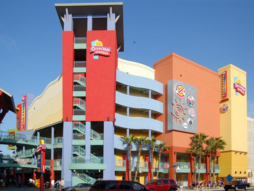 Shopping at Ocean Walk in Daytona Beach