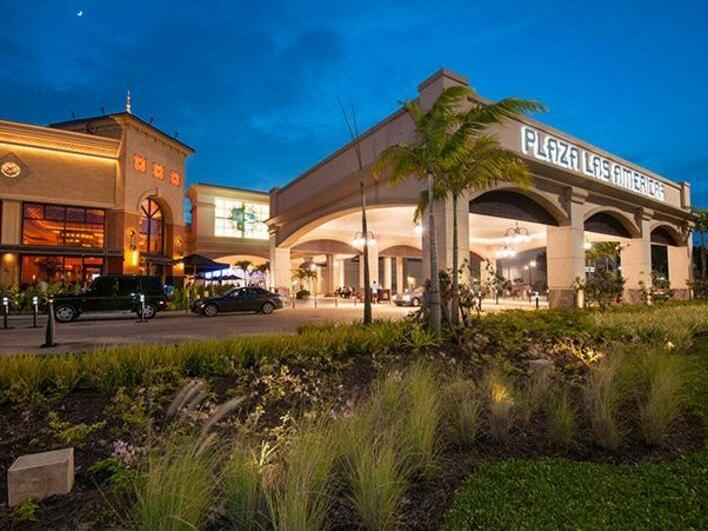 exterior of Plaza Las Americas mall