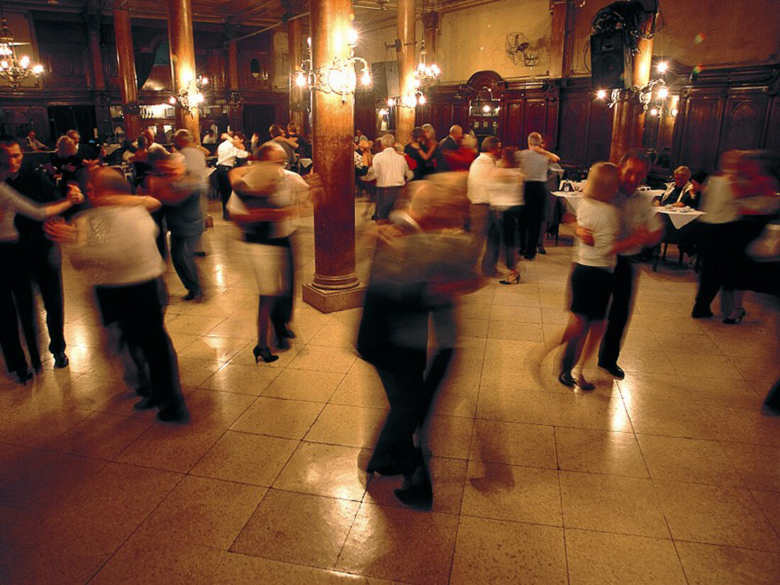 People dancing at Buenos Aires Tango Shows