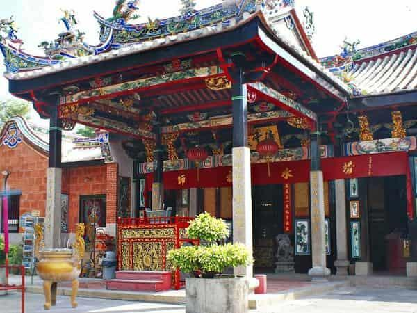 Places of Interest - Snake Temple in Penang