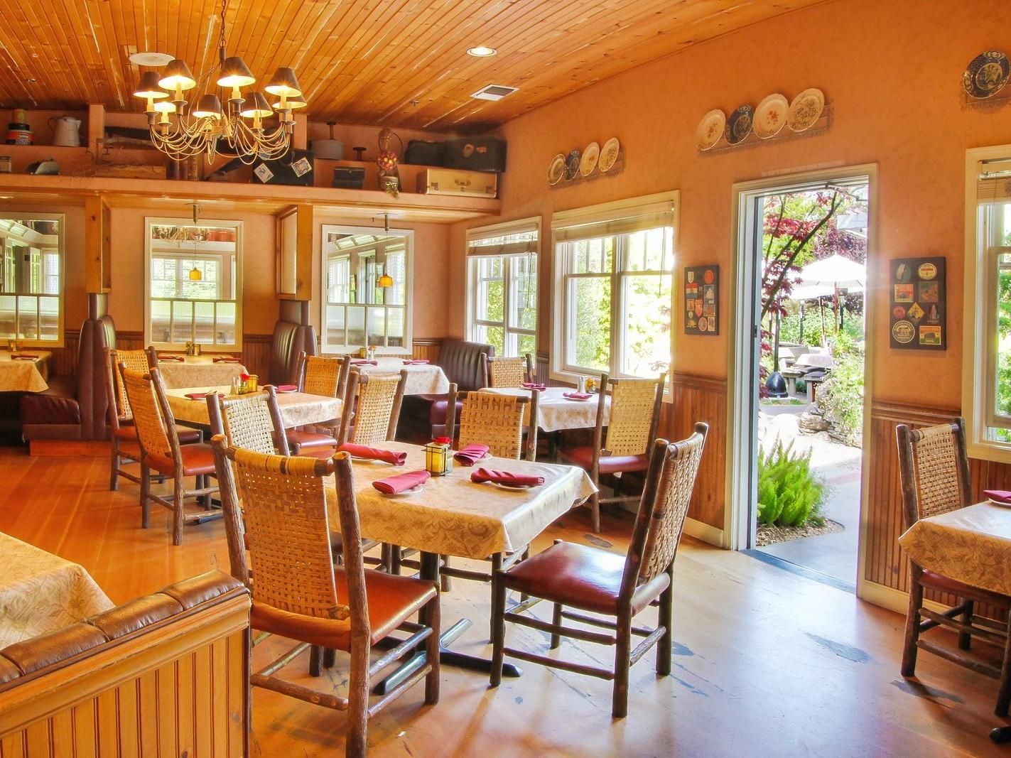 Dine At Cambria Pines Lodge Restaurant Fireside Lounge