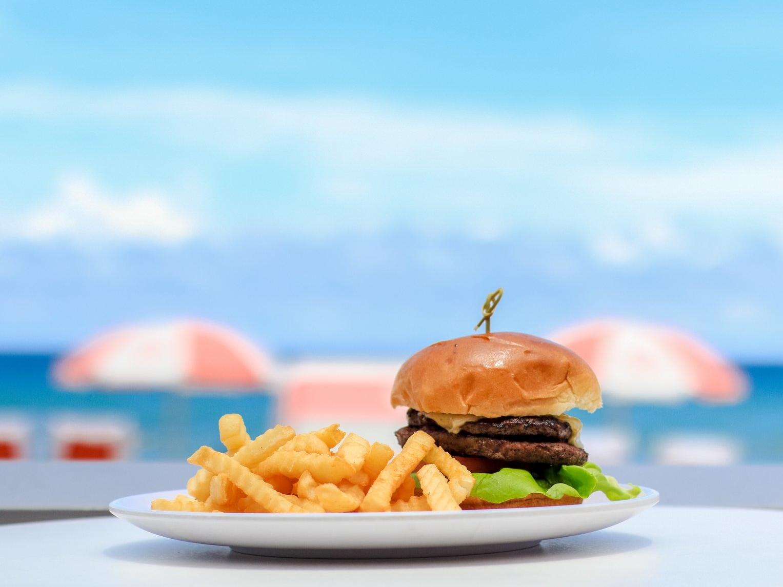 Burger by the beach