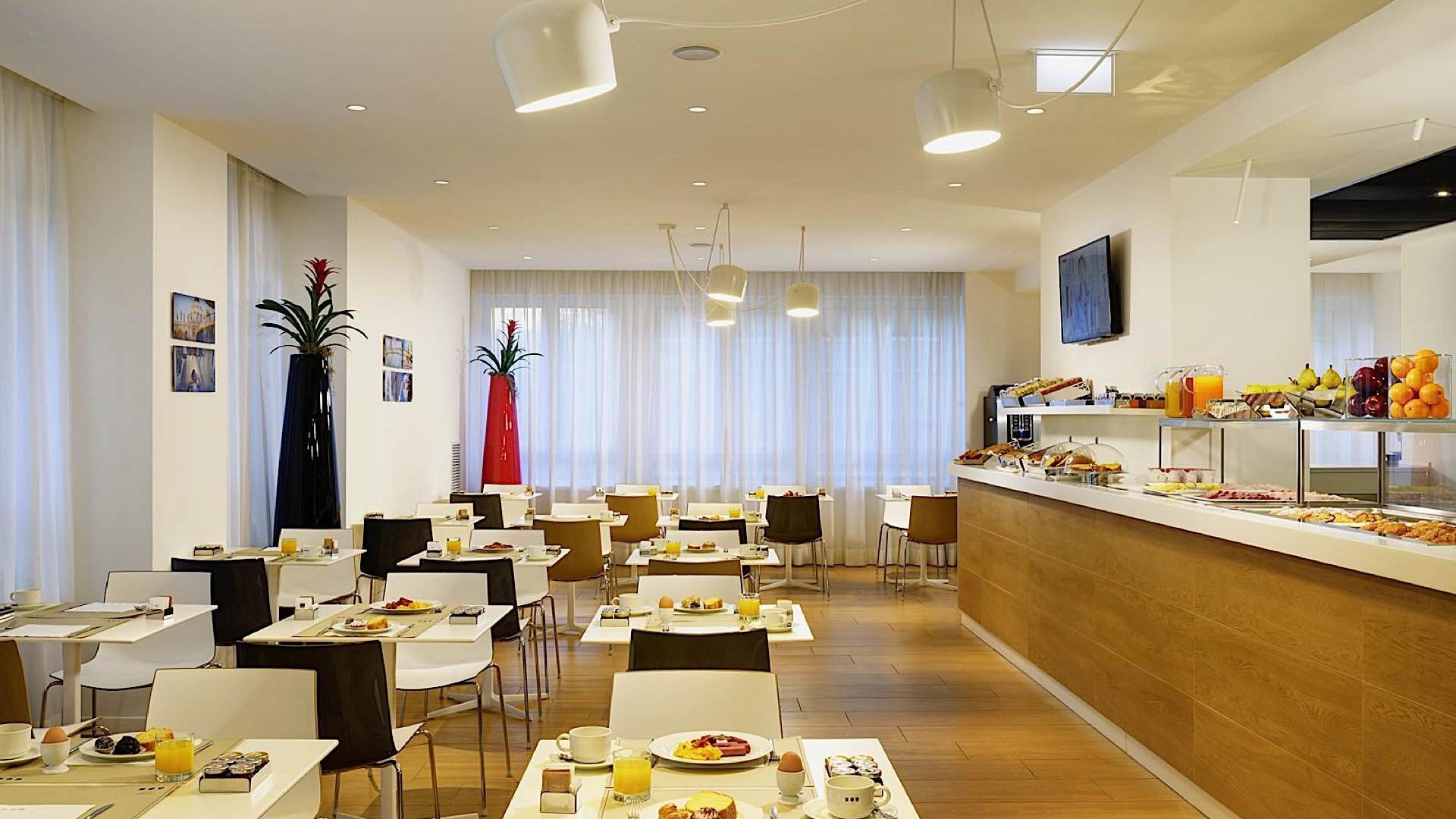 Breakfast Room | Century Milano