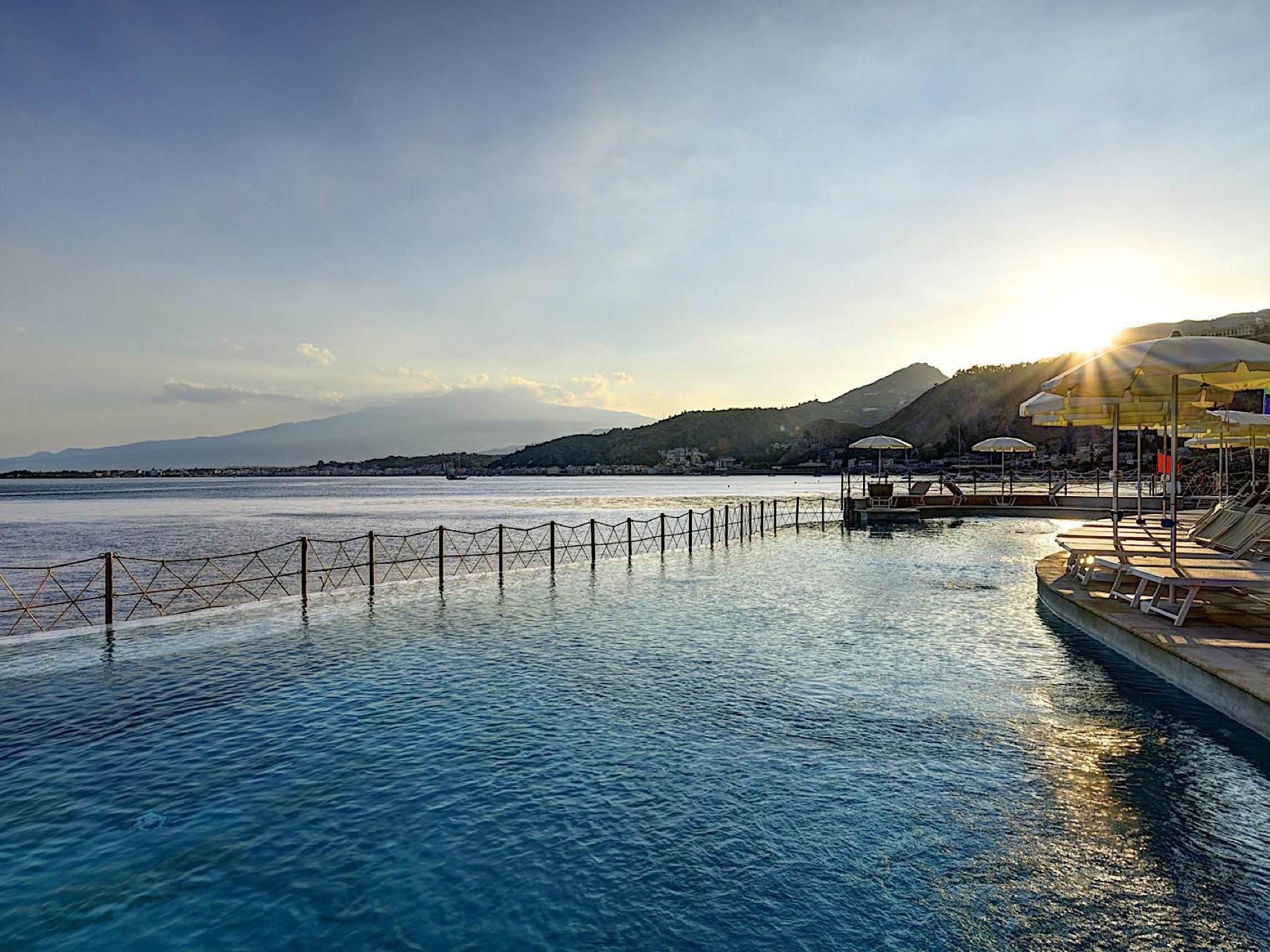 Pool View | Capotaormina