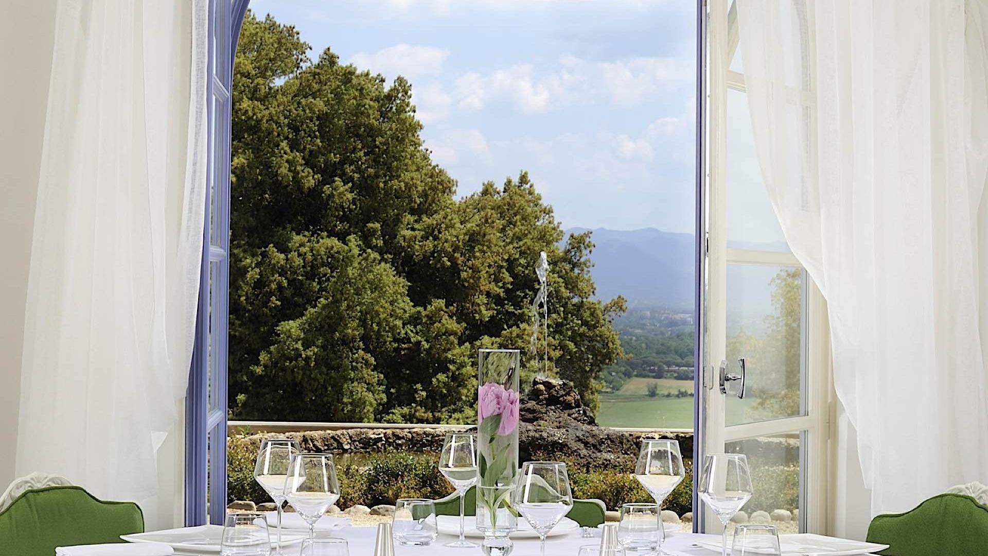Lunch Table | Villa Le Maschere