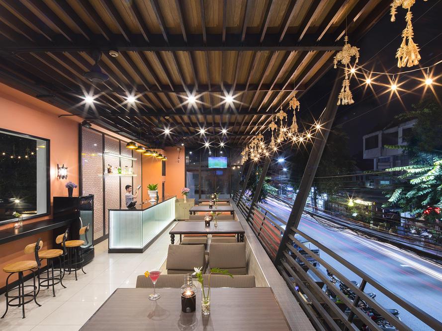 DRINK Bar at U Hotels and Resorts