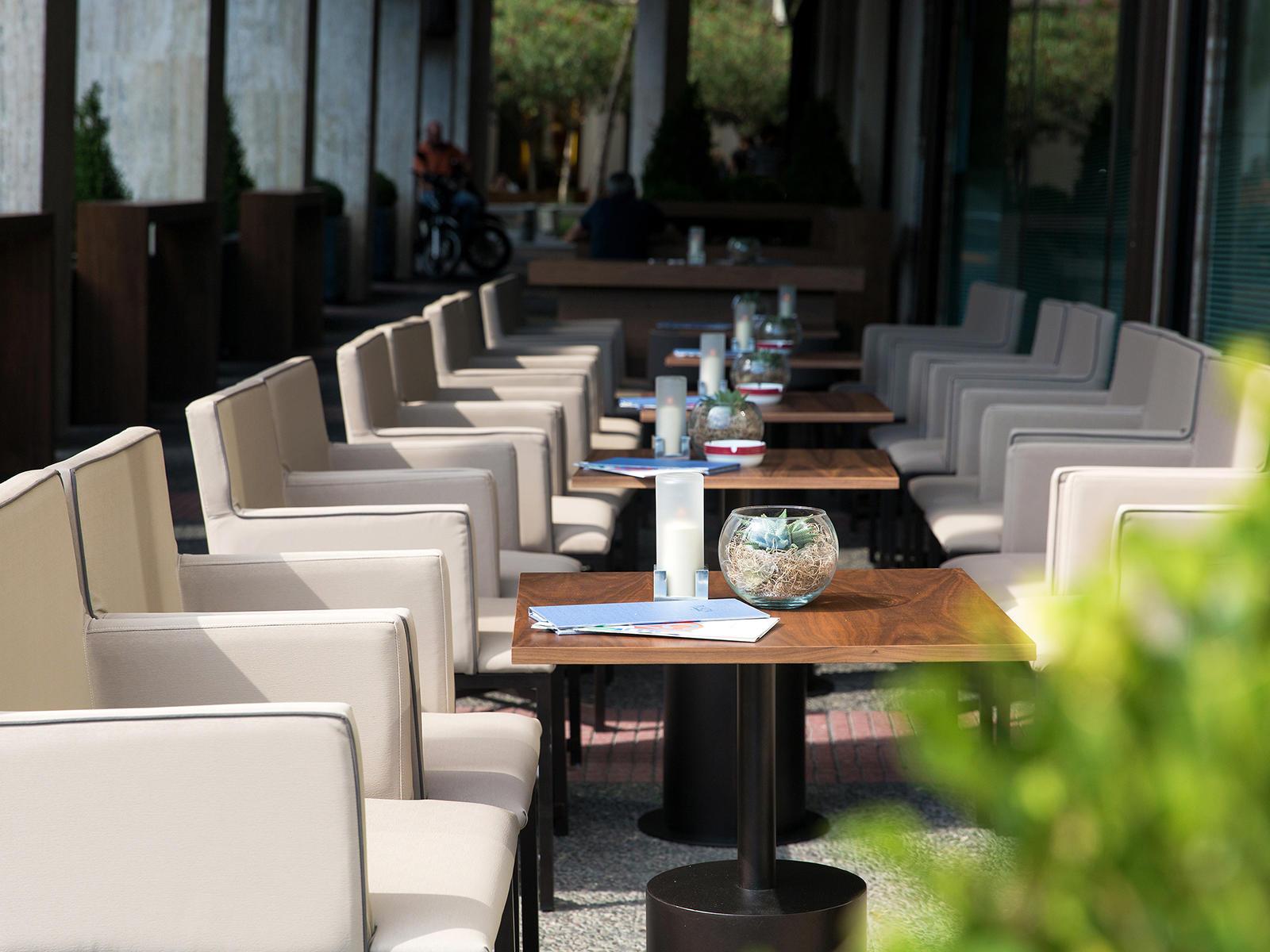 Plaza Cafe at NJV Athens Plaza hotel