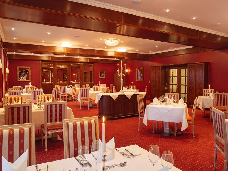 Restaurant Roter Salon at Schloss Pichlarn