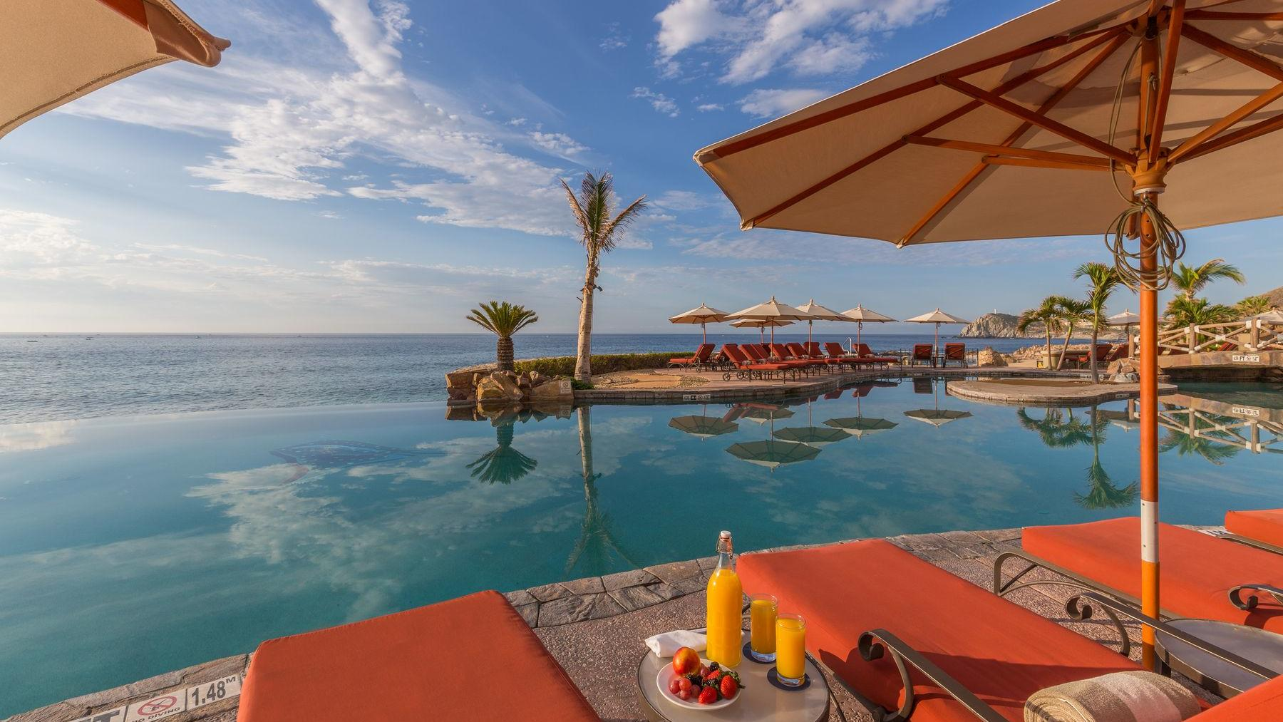 Delfines Pool Bar