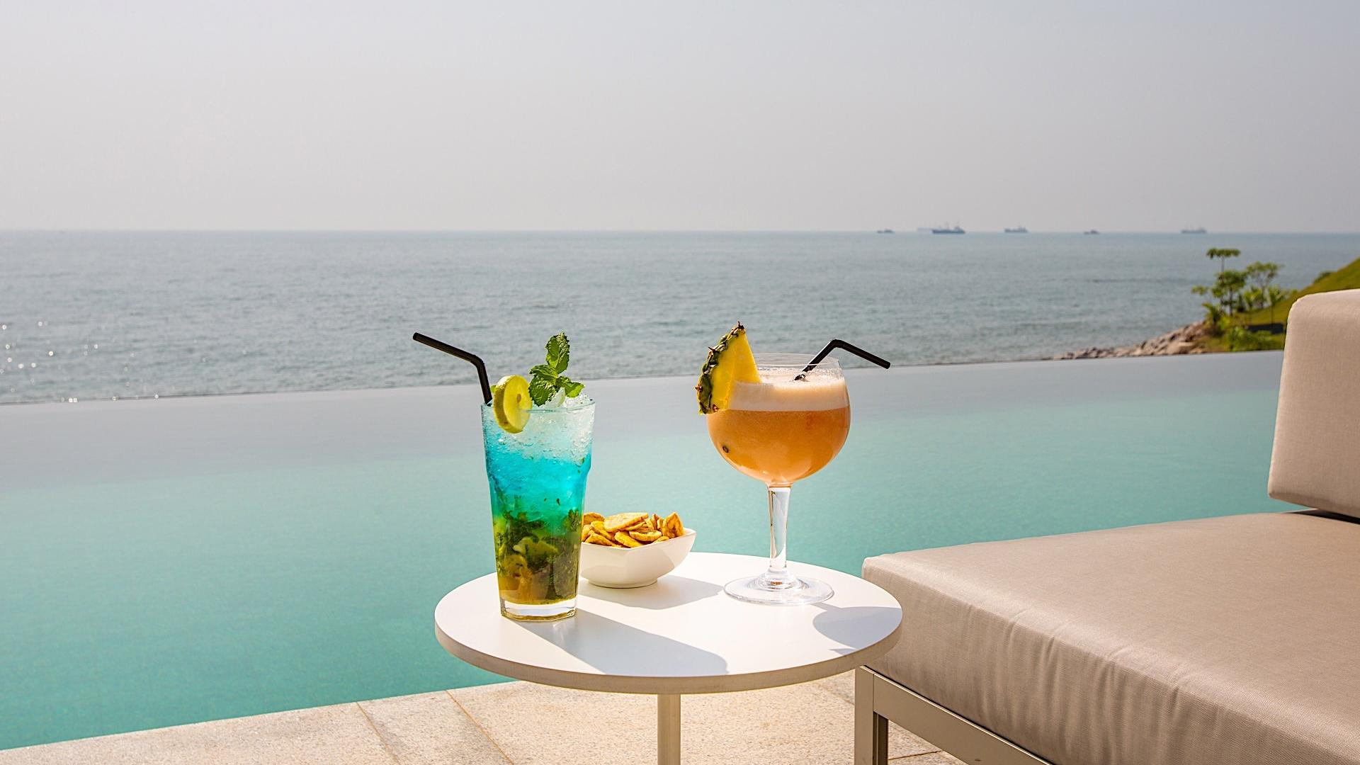 Pool Bar at Noom Hotel Conakry