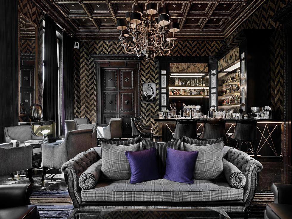 GQ Bar Sofa - Patrick Hellman Schlosshotel