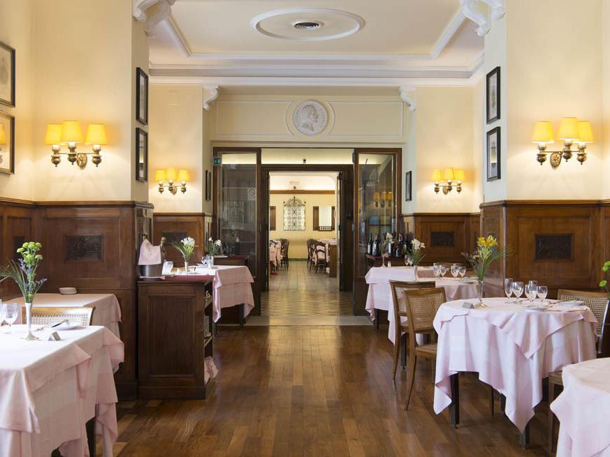 Room Service in Ristronete Massimo D'Azeglio in Bettoja Hotels Group