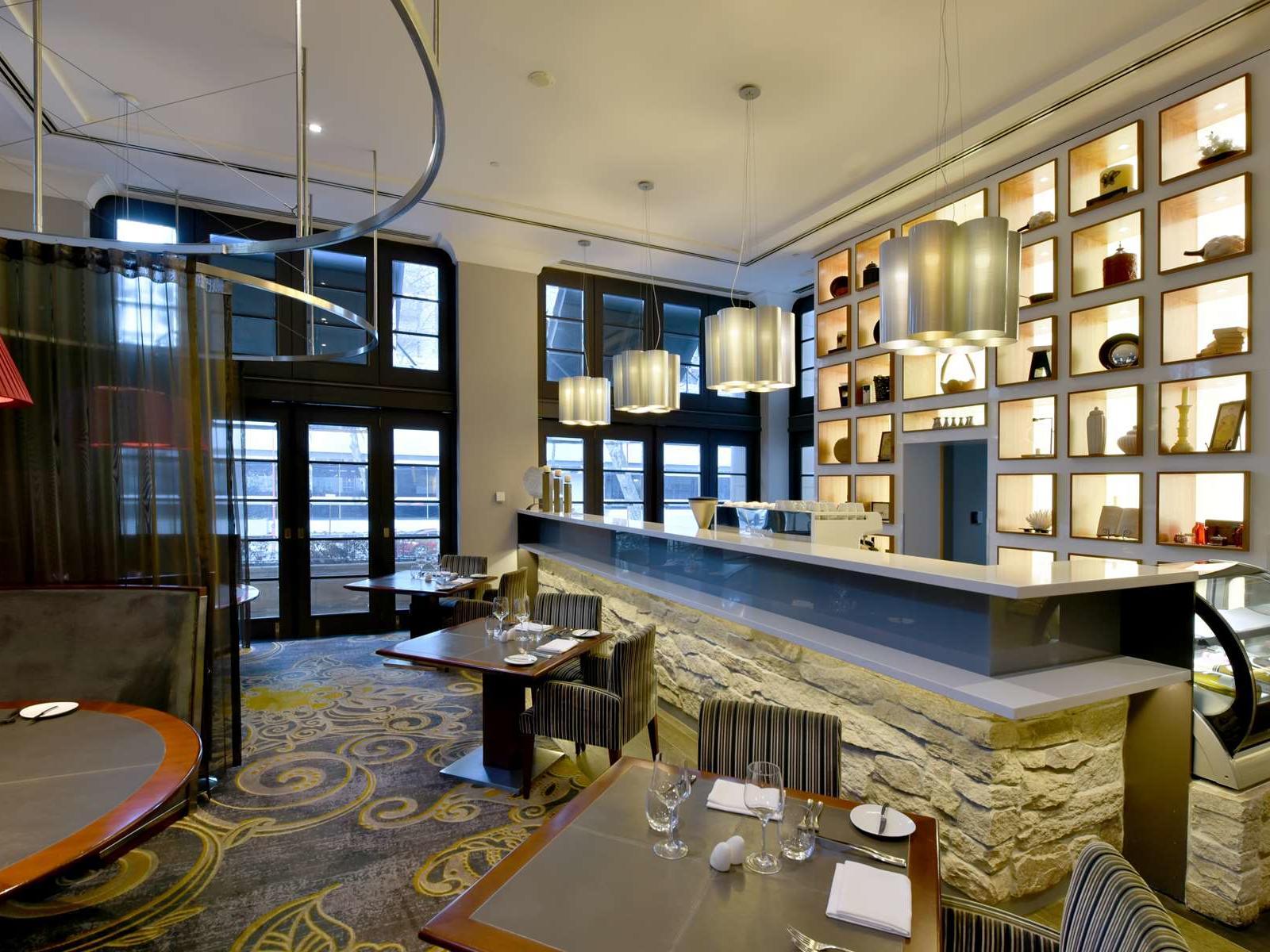 Cocktail Bar at Duxton Hotel Perth
