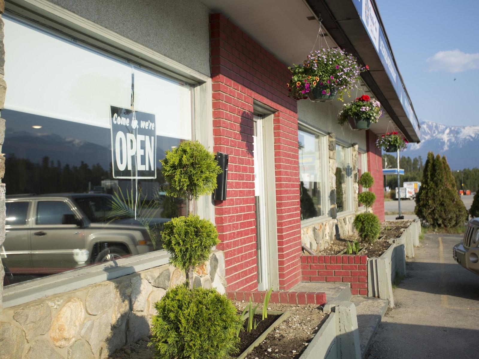 Valemount Vacation Inn Dine and Lounge