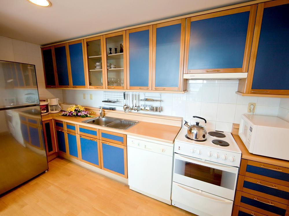 Three bedroom apartment kitchen at Hanoi Daewoo Hotel