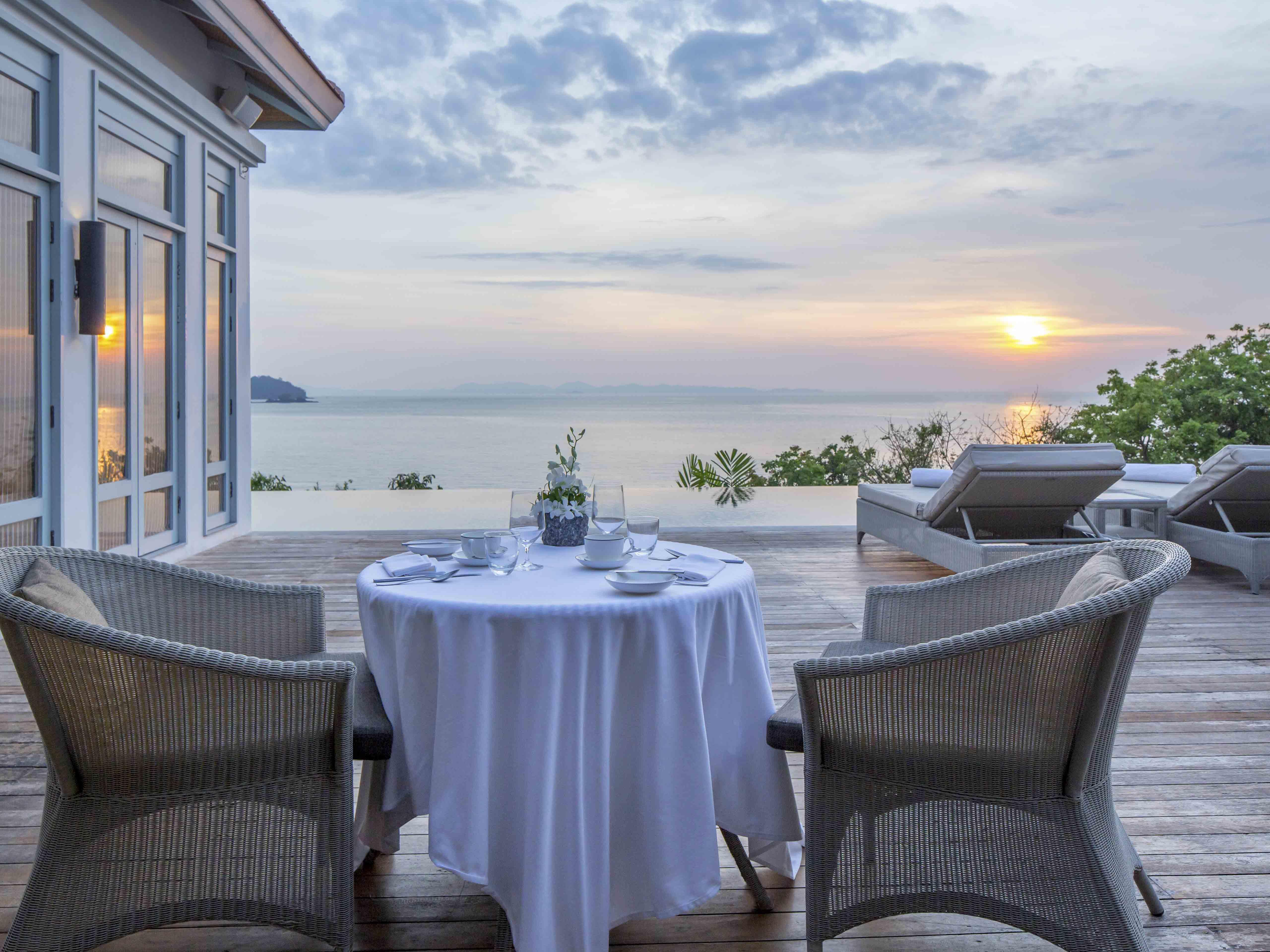Outdoor dining by the sunset at The Retreat