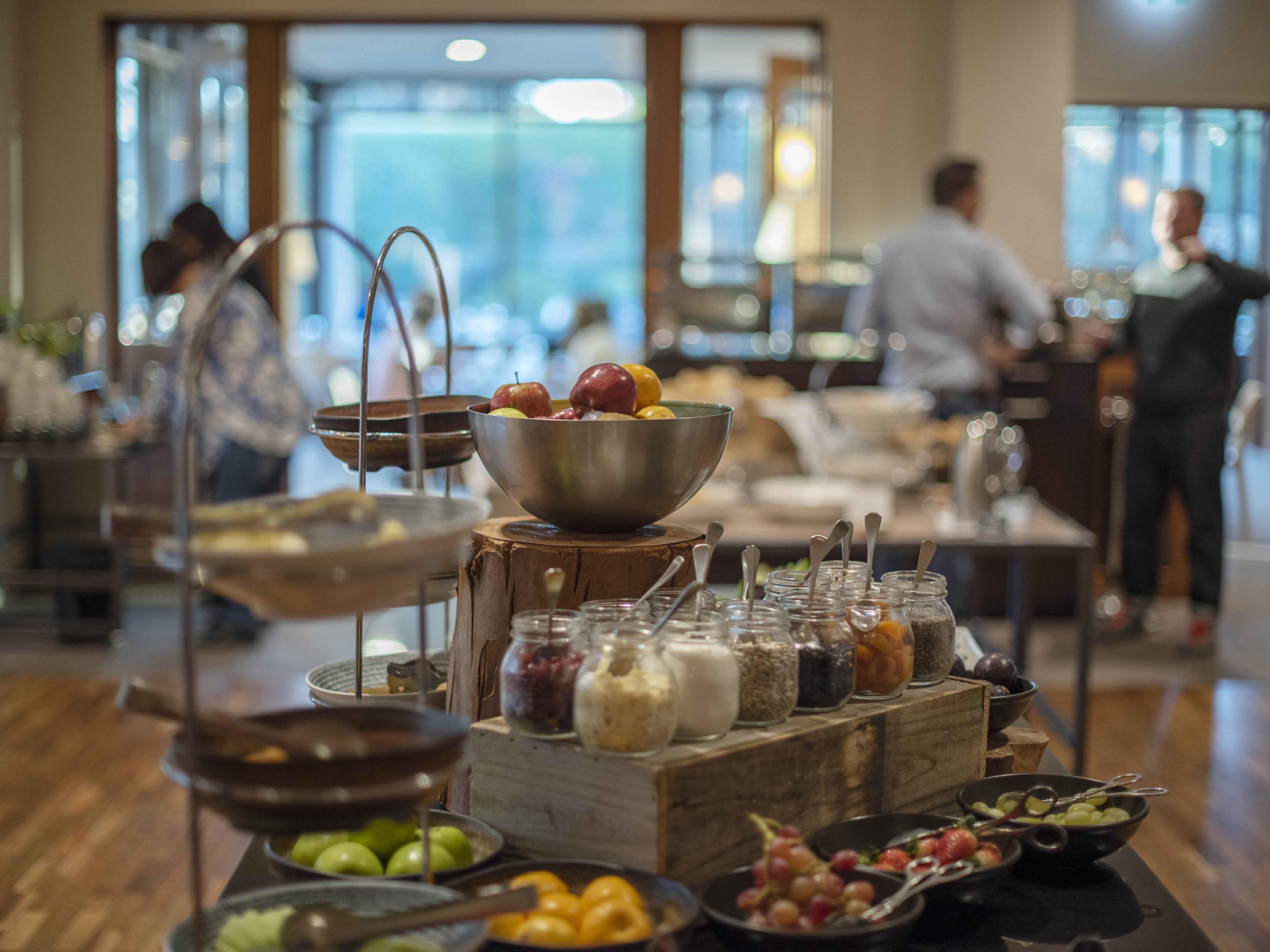 Bella Restaurant: Buffet breakfast spread