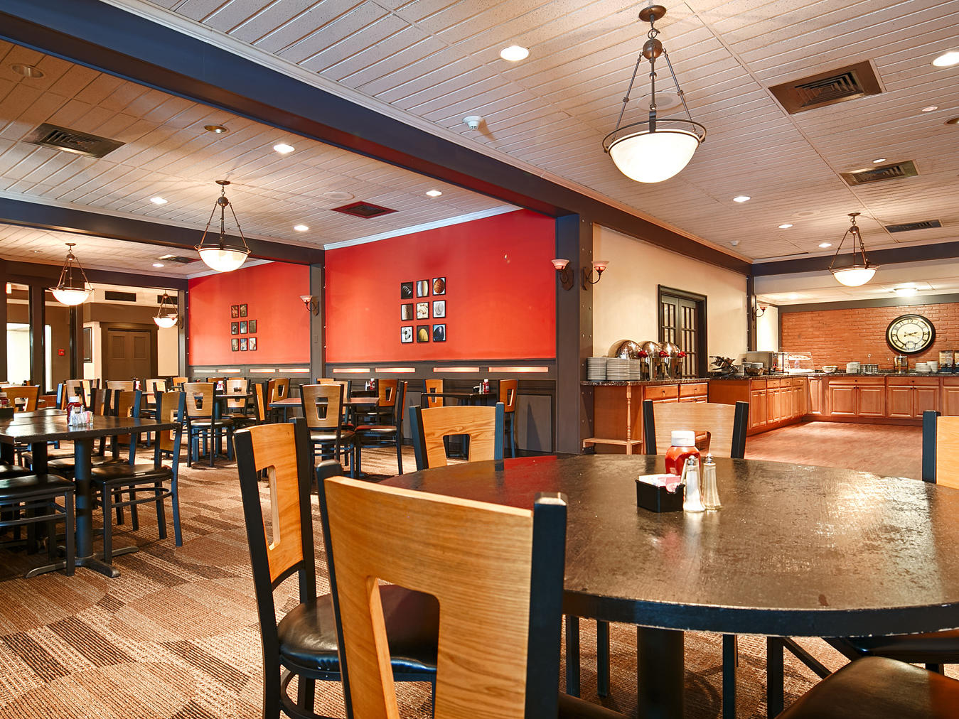 Open daily for lunch, dinner, and your favorite beverage.
