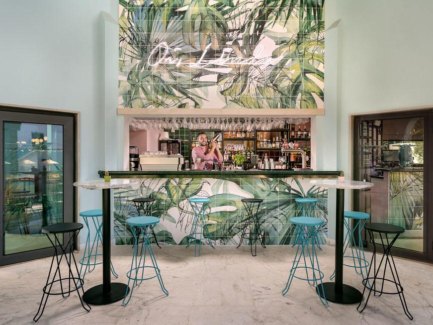 Pool bar at The Magnolia Hotel Quinta do Lago