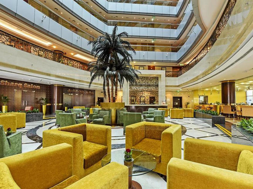 Al Nakheel lobby lounge at City Seasons Dubai