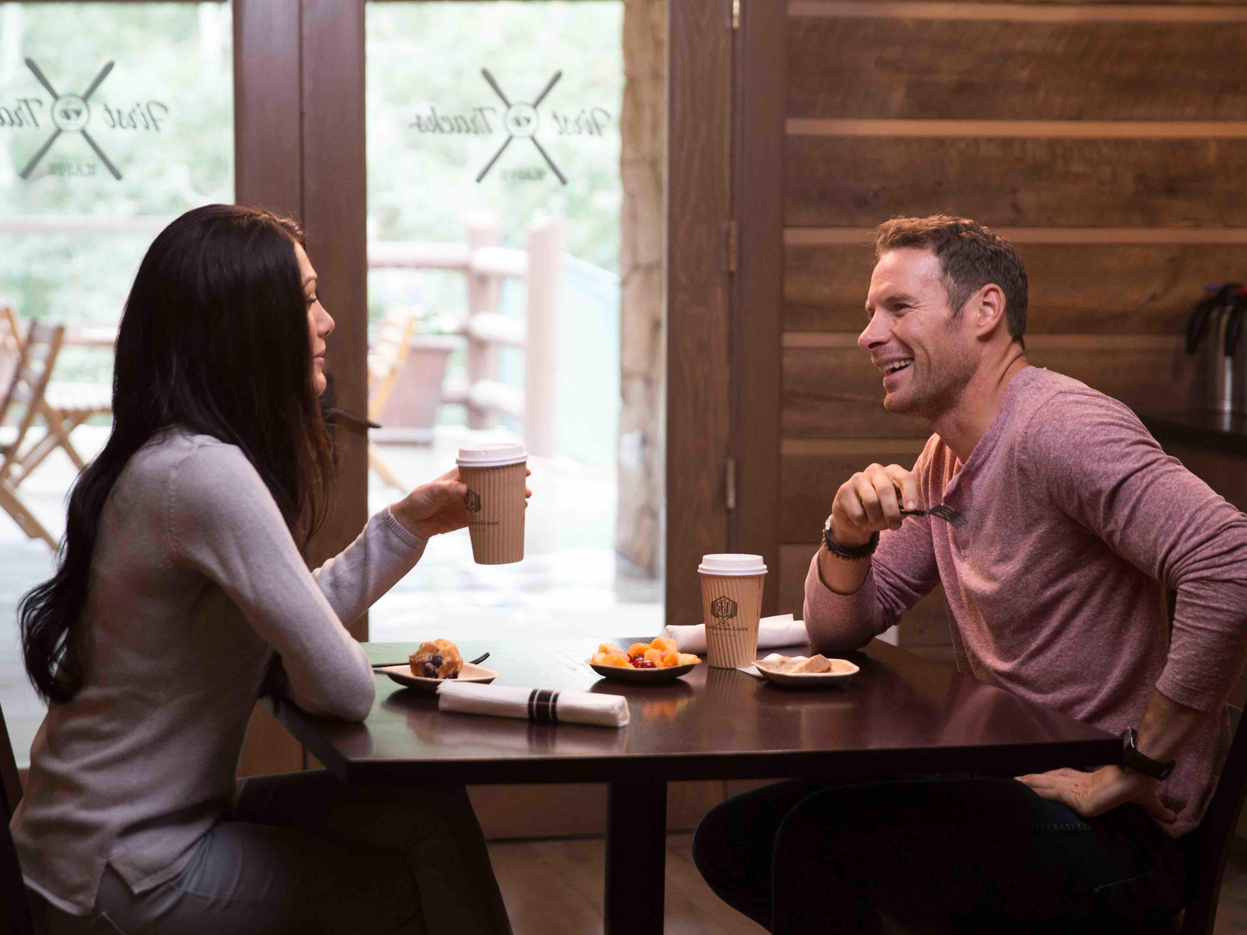 First Tracks Kaffe lifestyle couple dining