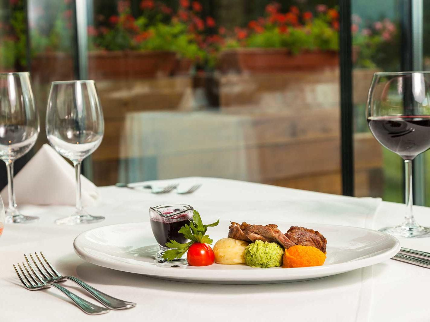 Room service at Ana Hotels Sport Poiana Brașov