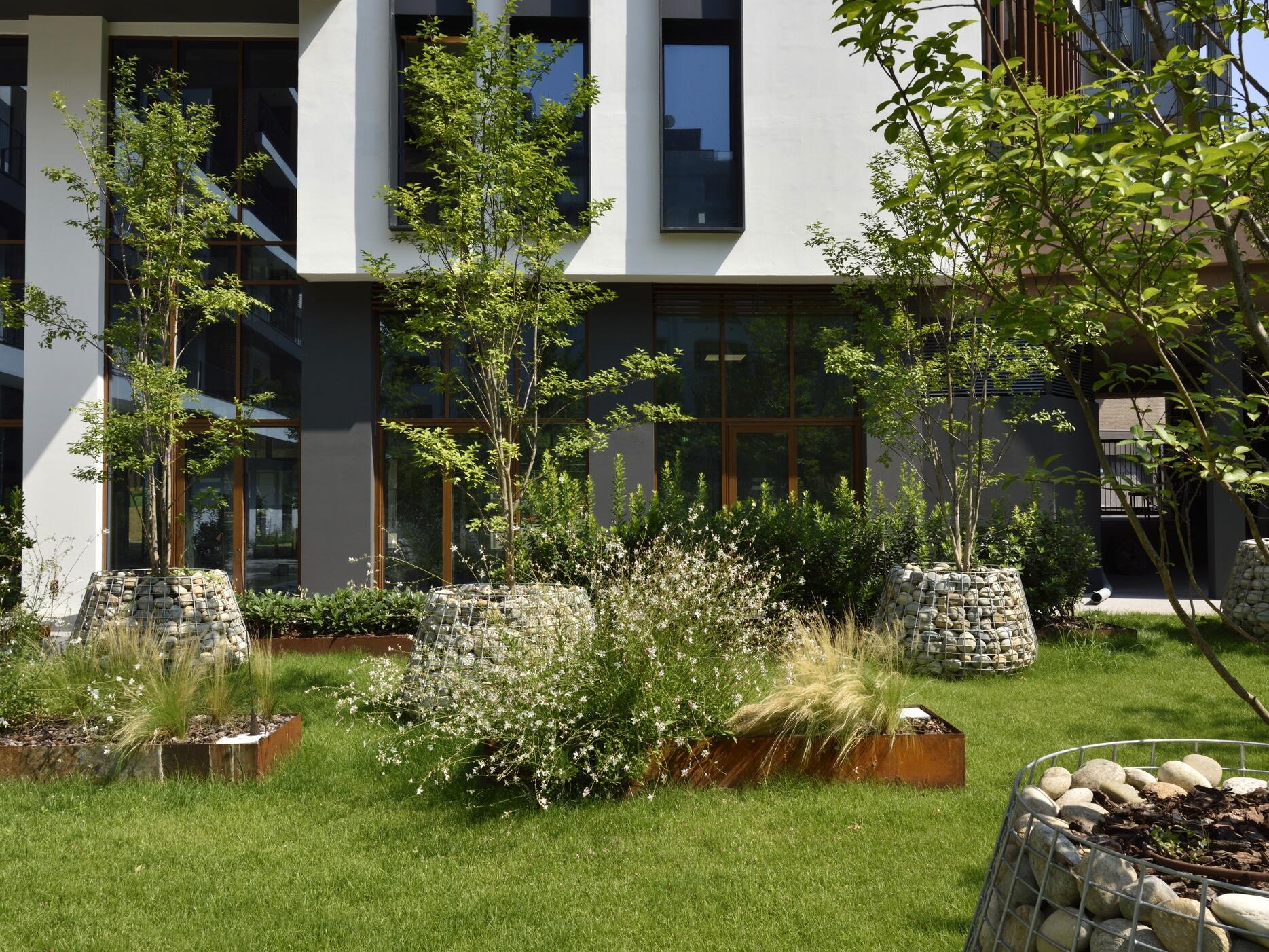 Bar e osteria con giardino