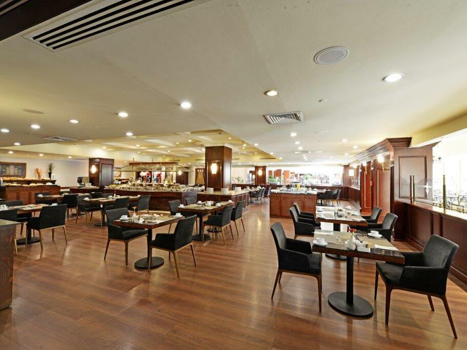 Revan restaurant at eresin hotels topkapi