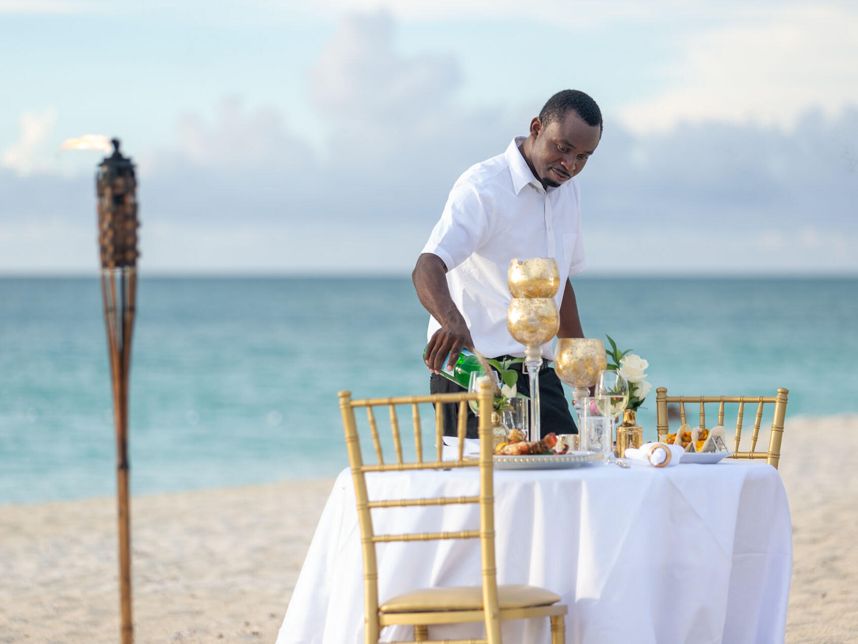 Dining table arrange in Barbetta on the Beach at the Somerset