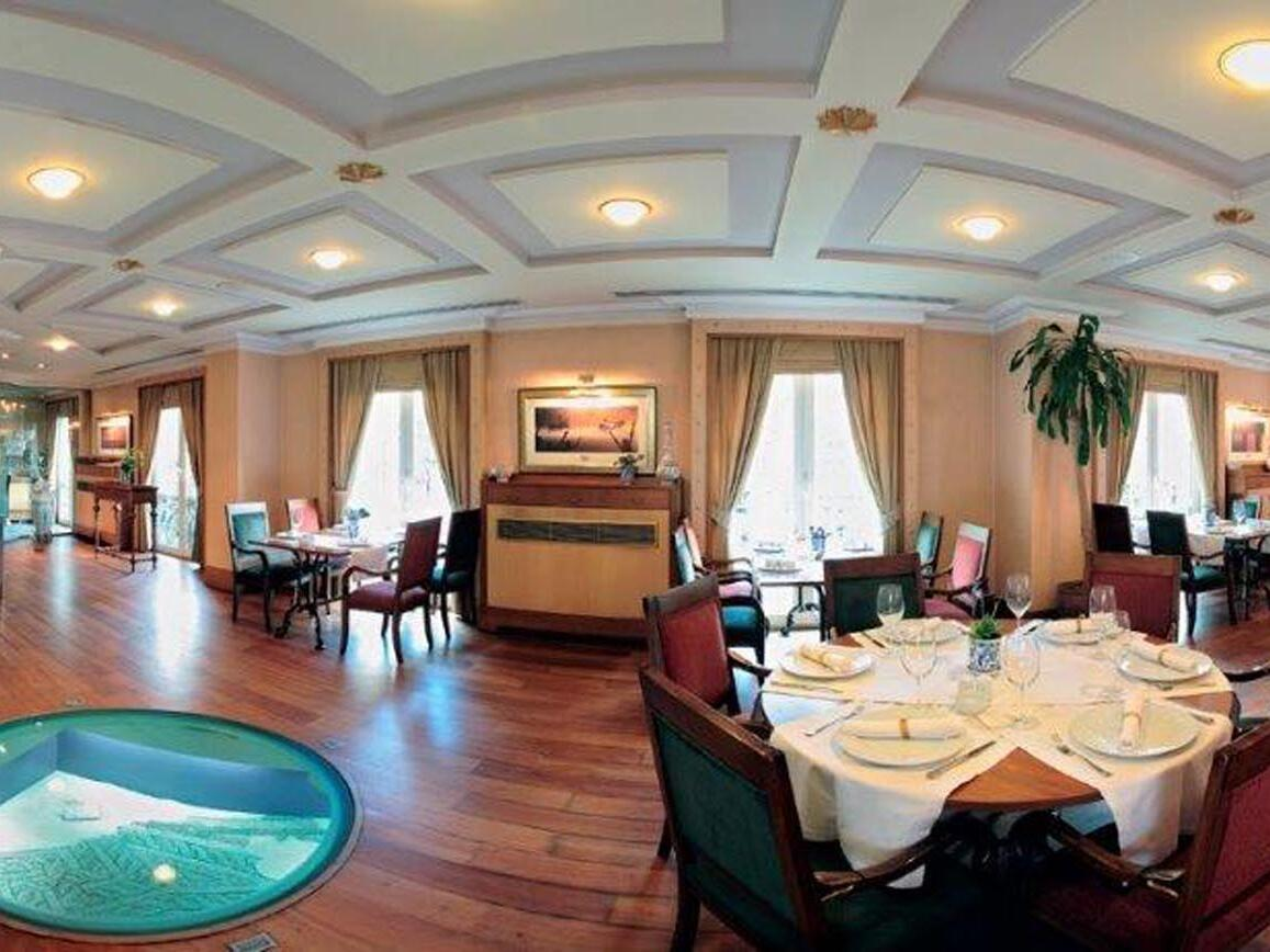 Mosaic Restaurant  Eresin hotels sultanahmet