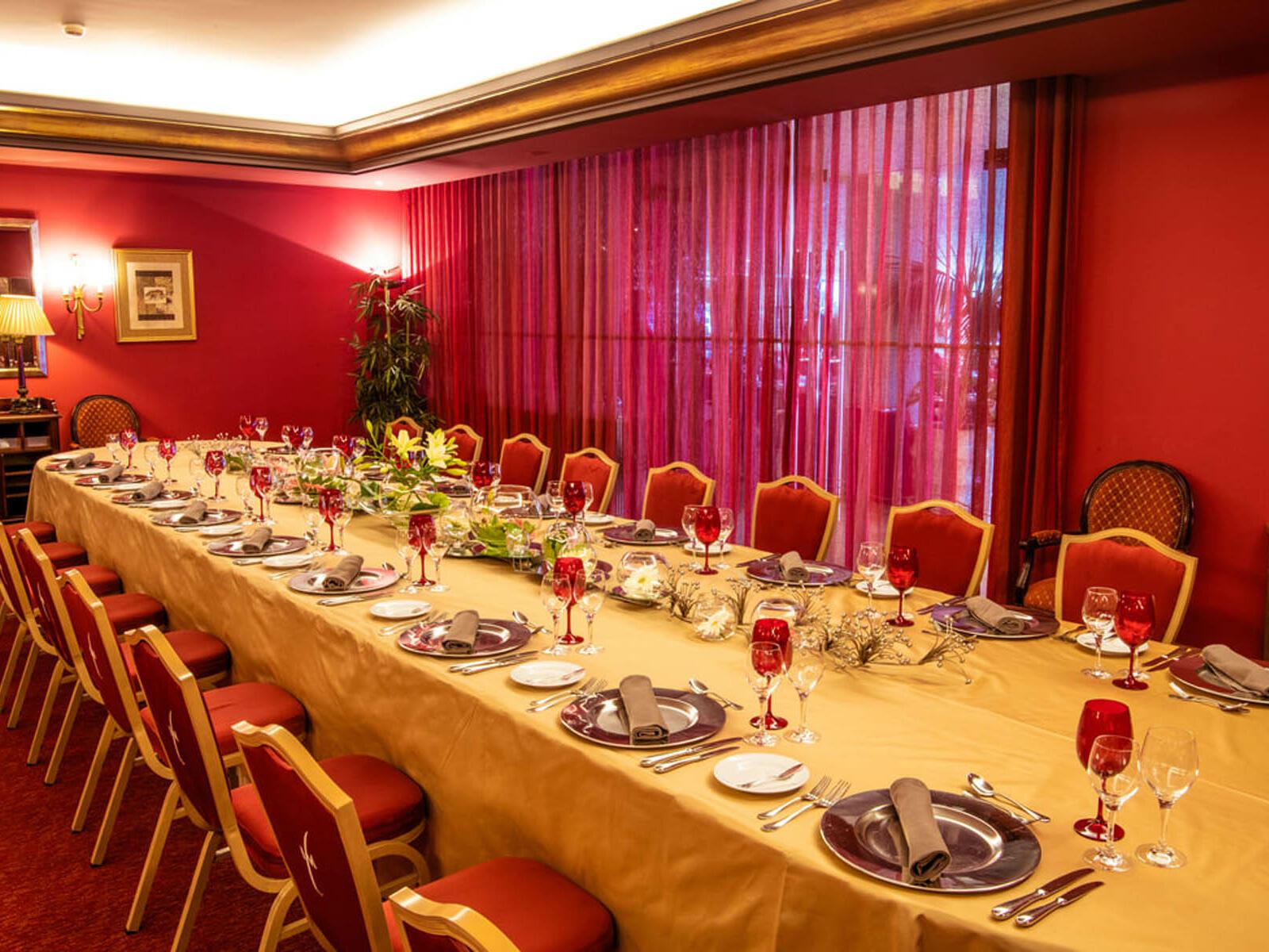 Perfectly arranged Estoril Dining Room at Hotel Cascais Miragem