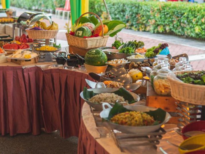 Wide buffet selection at Sajian Selera Tanah Air Ramadan Buffet Dinner