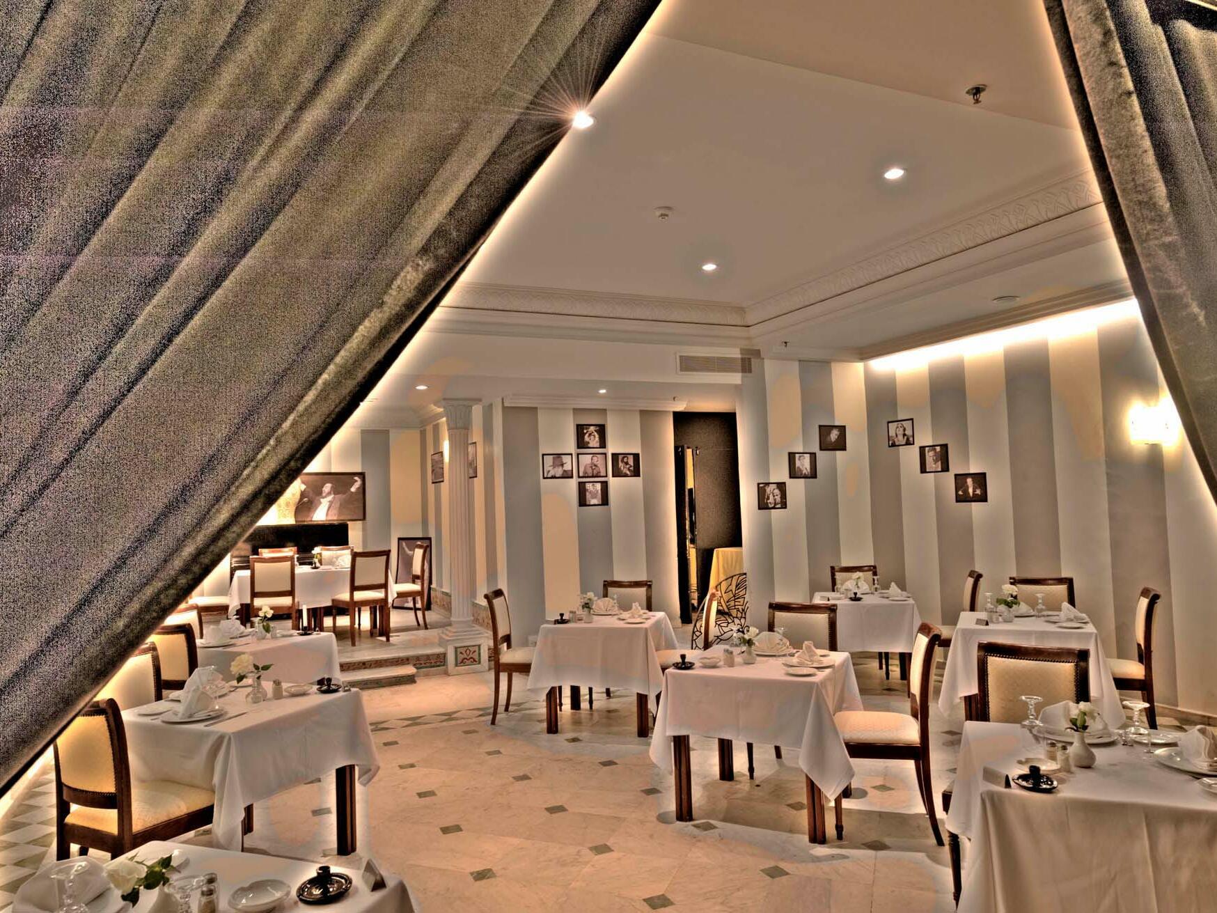 Interior Dining Table - Farah Marrakech Hotel
