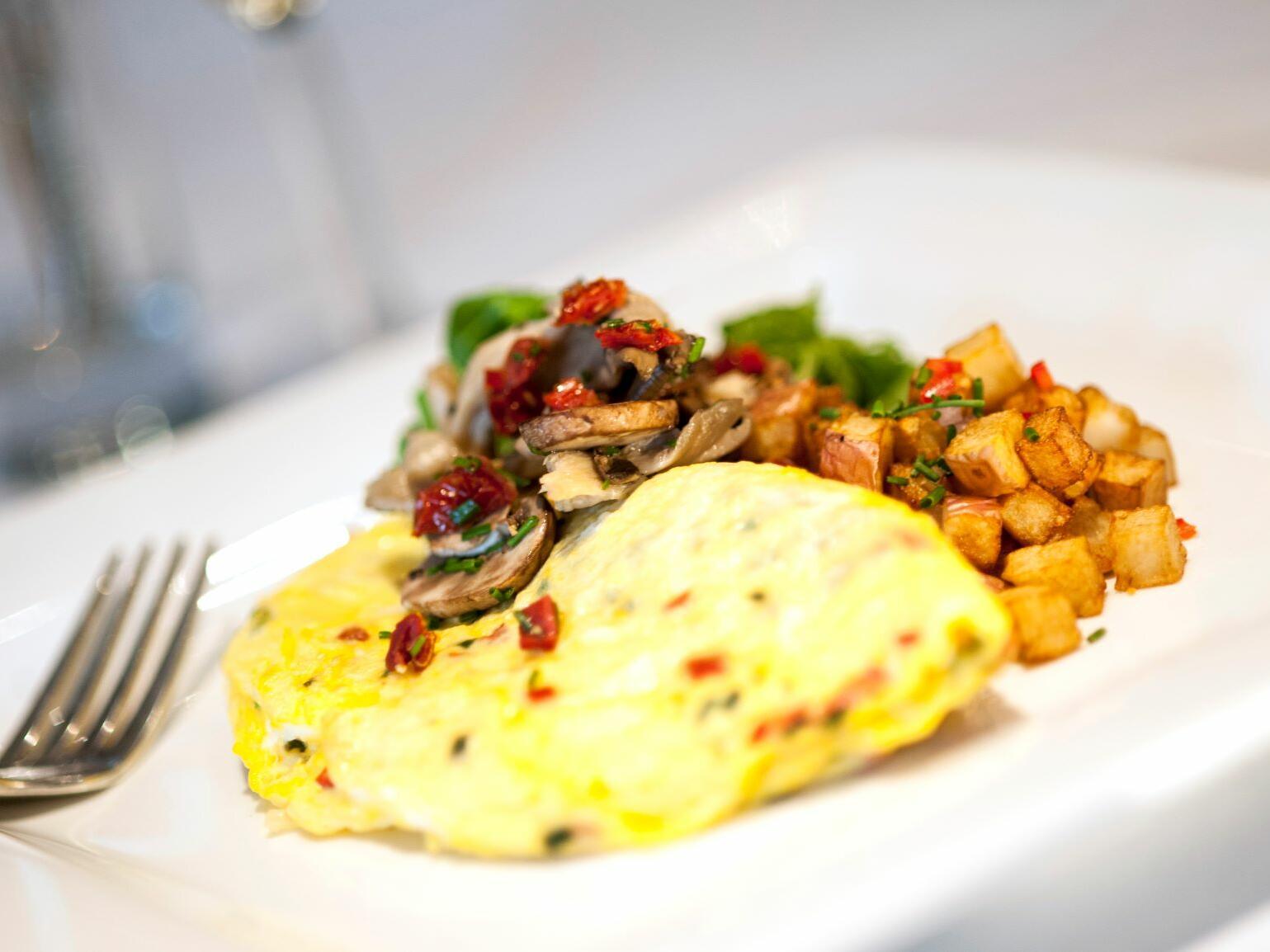 Closeup egg and mushroom served in Nutmeg café at The Simsbury Inn
