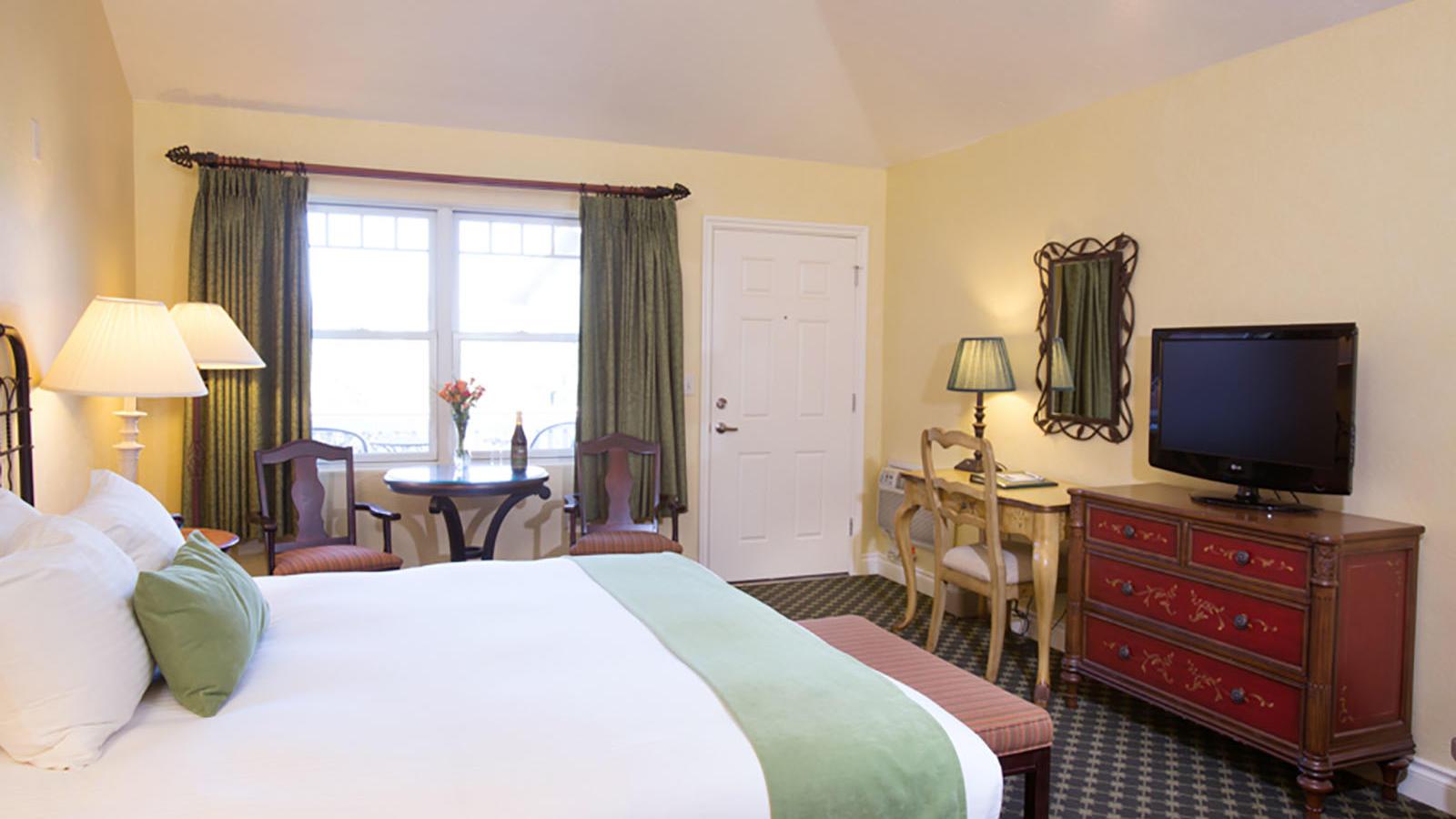 A cozy hotel room in Oregon