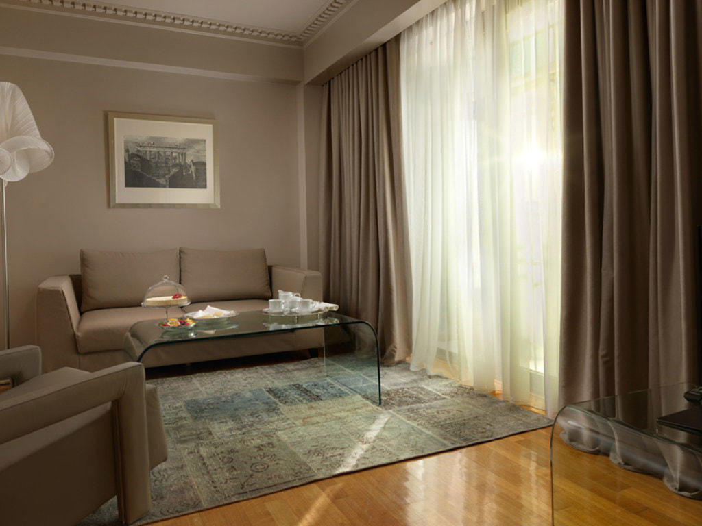 Living Room Junior Suite NJV Athens Plaza
