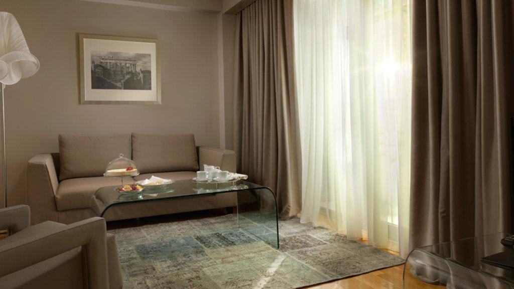 Living Room Junior Suite NJV Athens Plaza