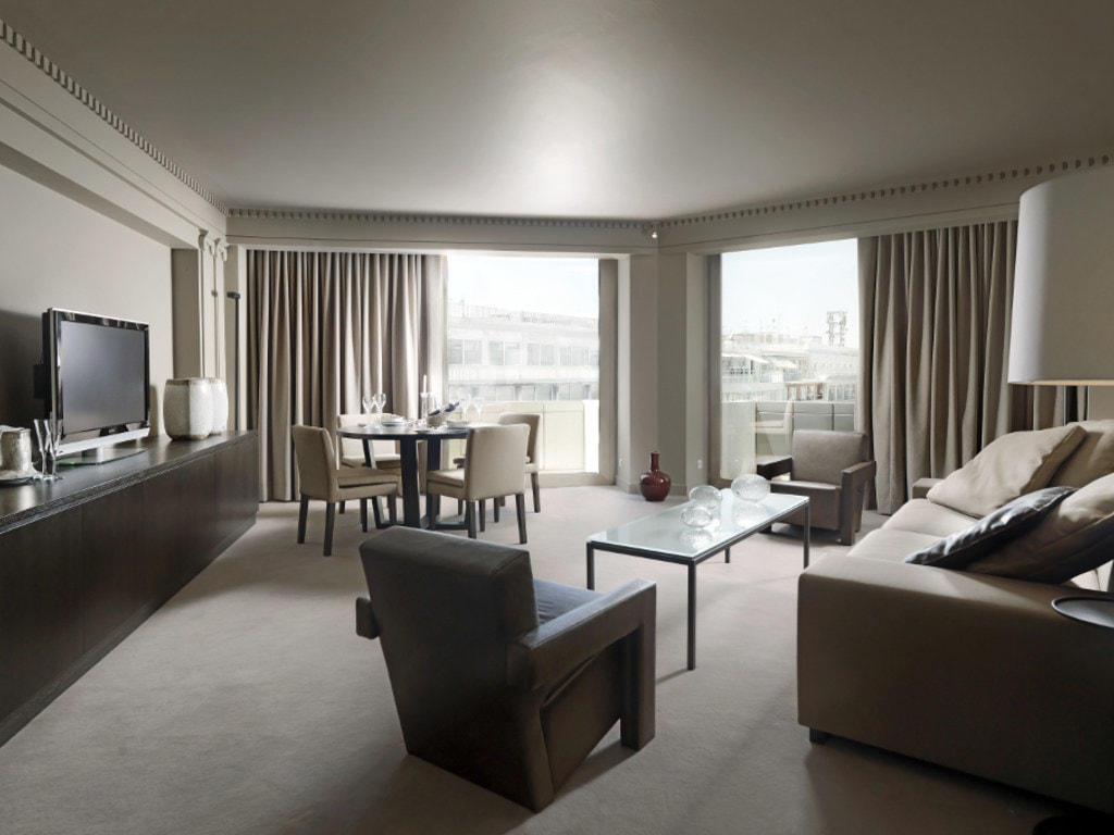 Living Room Executive Room NJV Athens Plaza