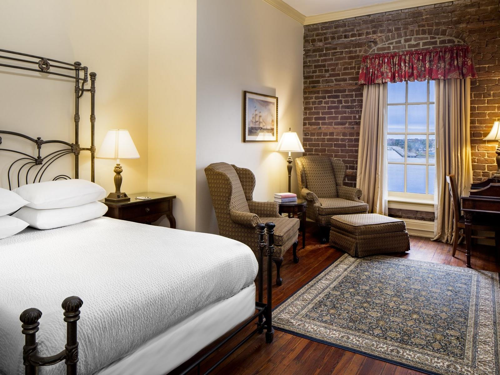 Savannah River View Room with King Bed