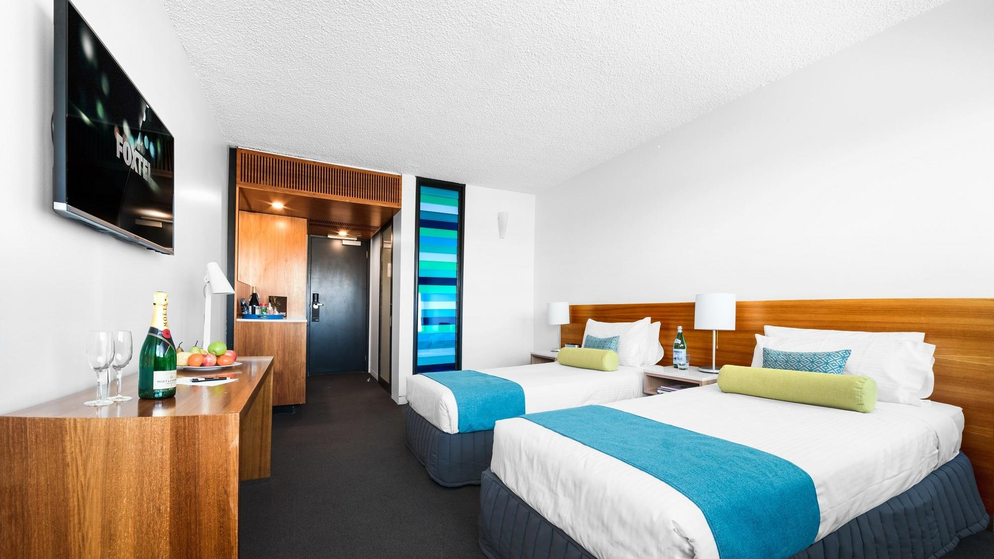 Deluxe Twin Room at Jasper Hotel Melbourne