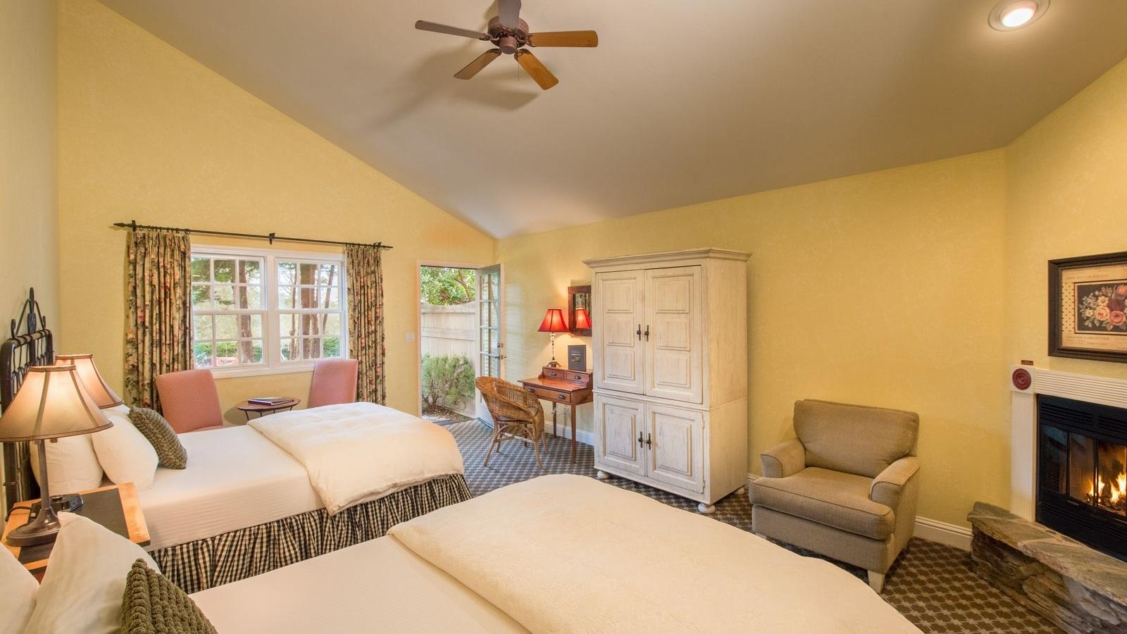 Superior Room at Cambria Pines Lodge