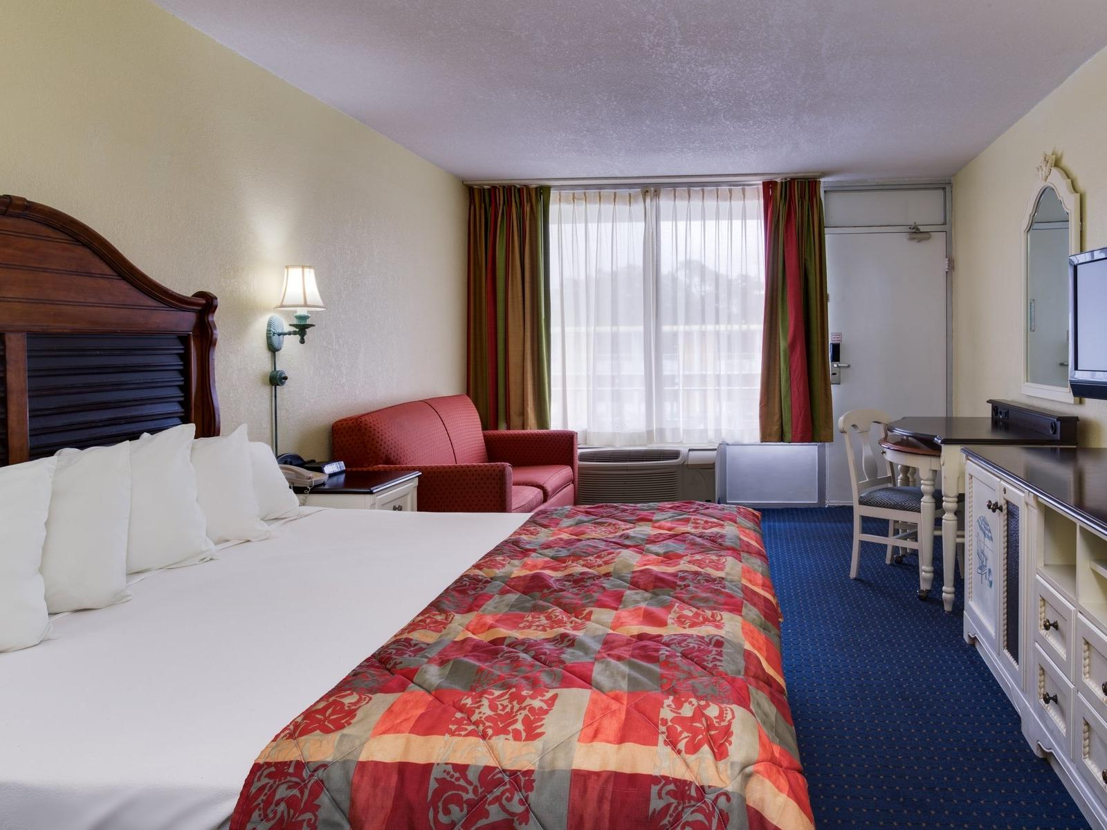 Seralago Hotel & Suites - Old Town Kissimmee Hotels Near