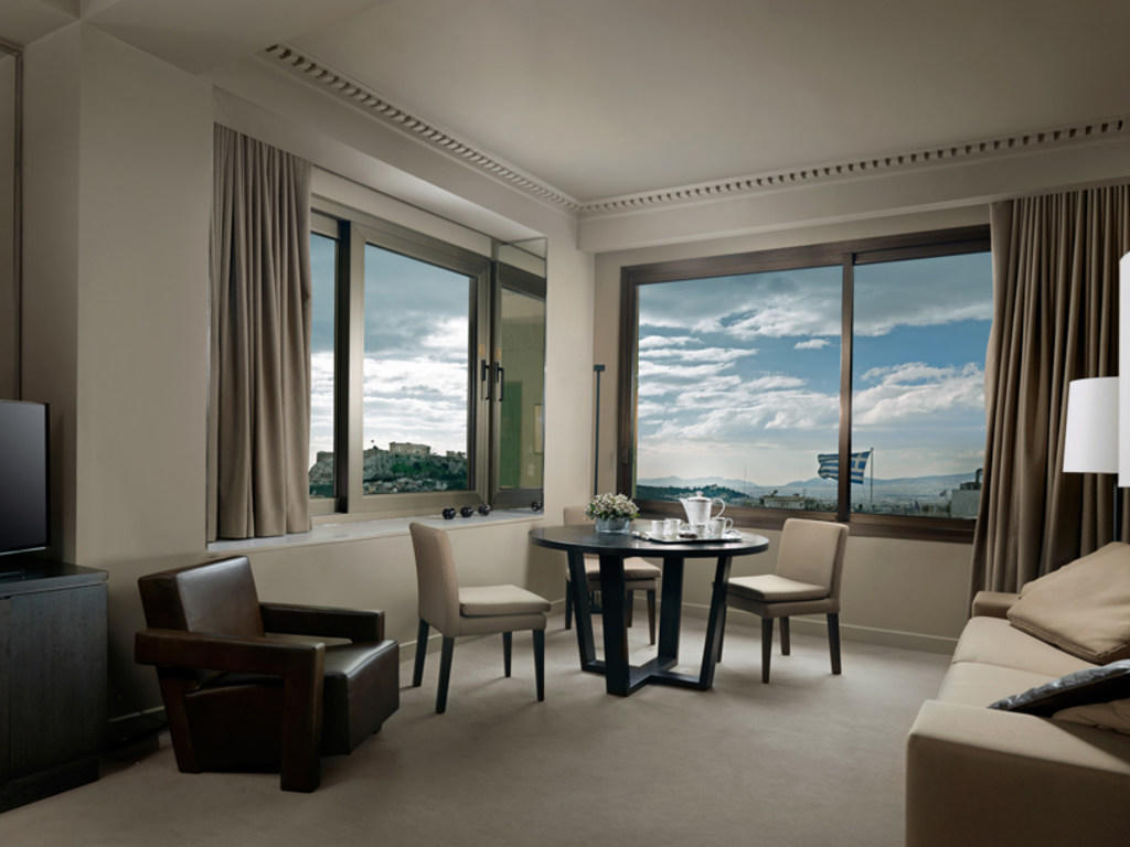 Living Room Deluxe Room NJV Athens Plaza
