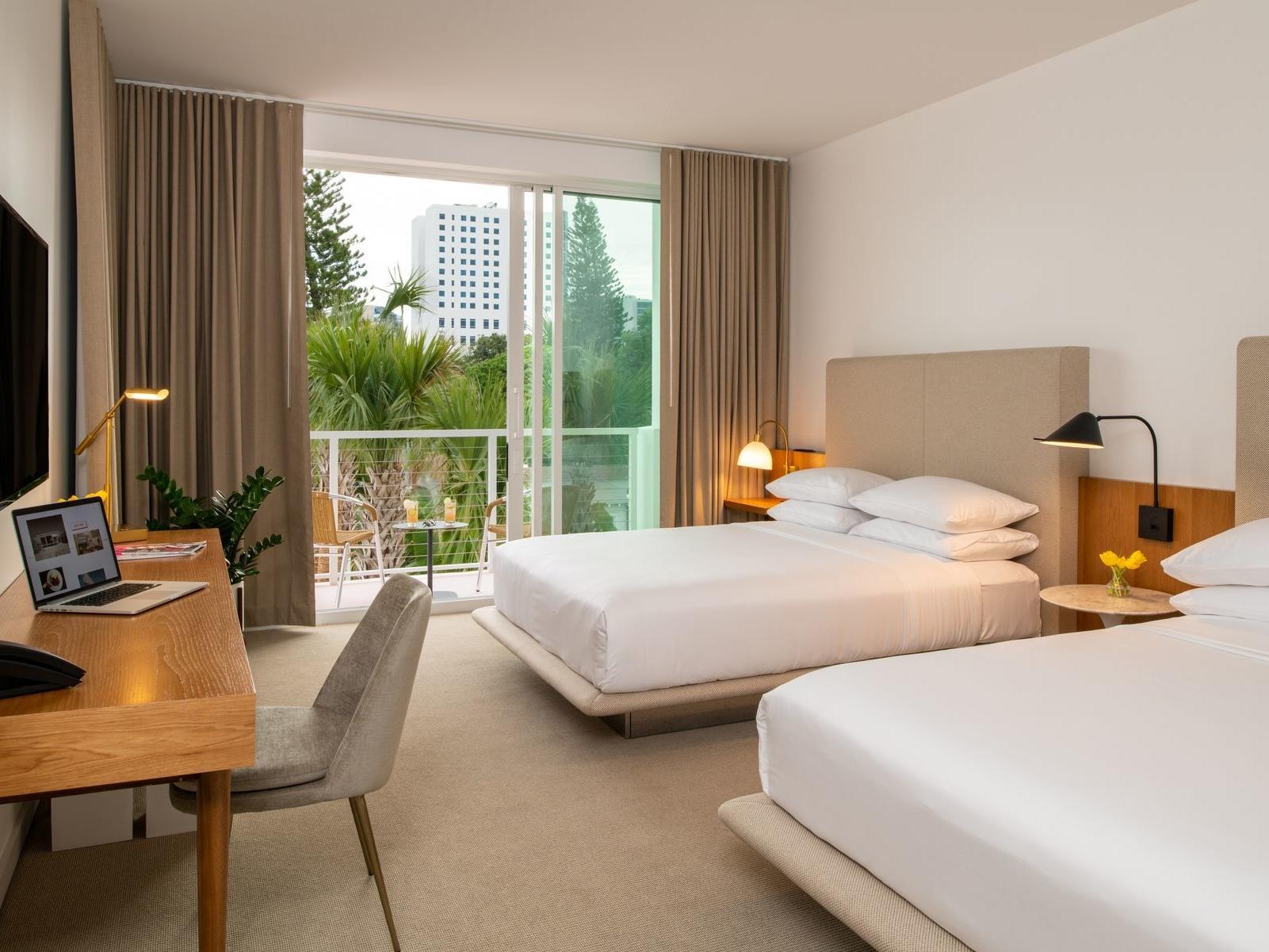 Super Downtown Sarasota Rooms Suites The Sarasota Modern Theyellowbook Wood Chair Design Ideas Theyellowbookinfo