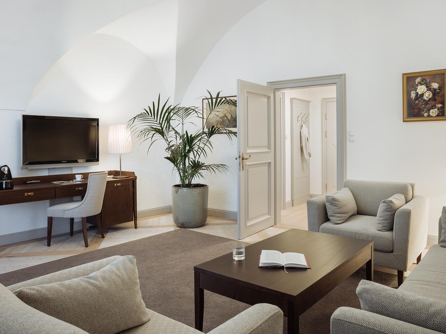 Traditional Suite at Romantik Hotel Schloss Pichlarn