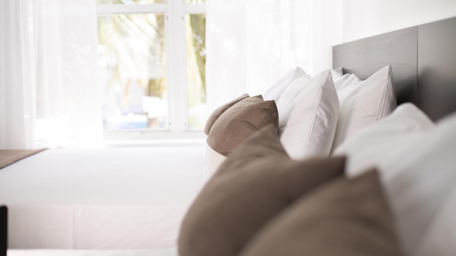 ADA Queen Bed, Non-Smoking