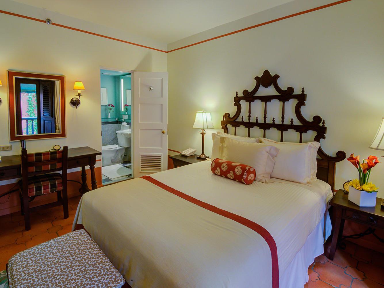 Queen Superior Bedroom