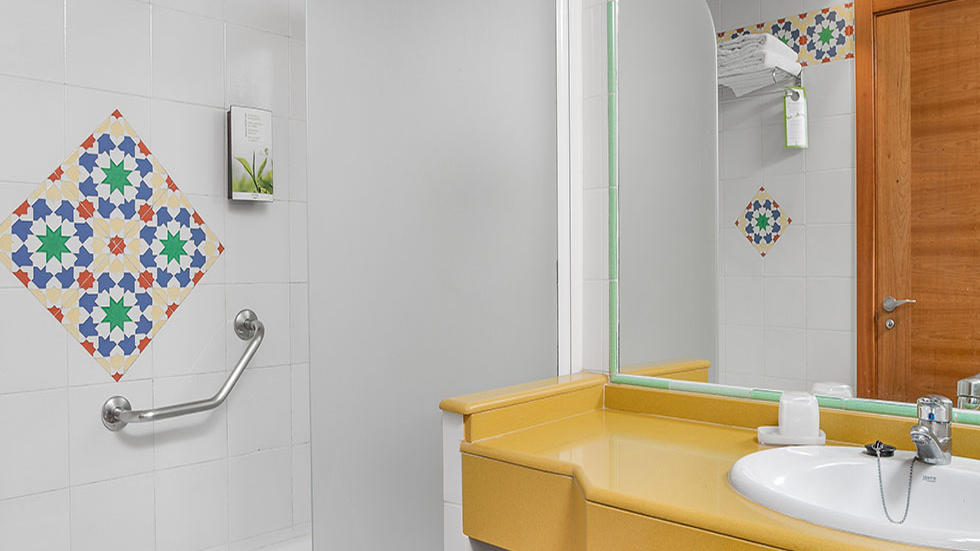 Two Bedroom Apartment Bathroom at Sahara Sunset